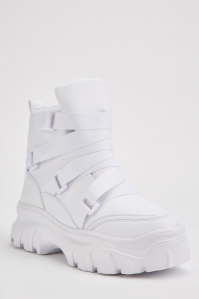 Chunky Contrasted High Top Boots