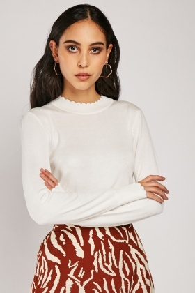 Scallop Rib Trim Knit Top