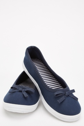 Textured Bow Front Flat Shoes