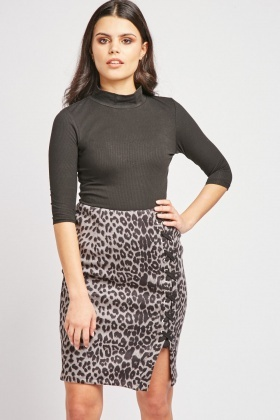 Lace Up Side Leopard Print Skirt