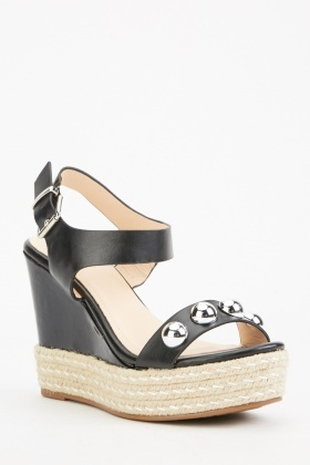 Detailed Wedge Sandals