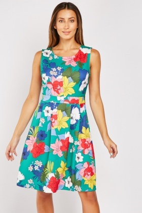 Box Pleated Floral Midi Dress