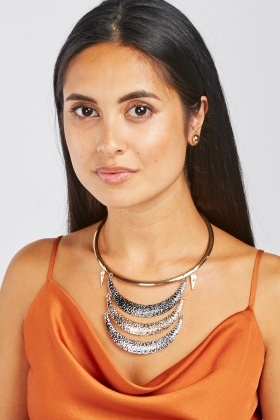 Textured Metallic Necklace And Stud Earrings Set