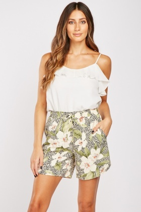 Contrasted Lily Flower Print Shorts
