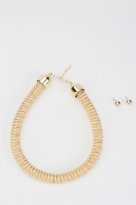 Textured Choker Necklace And Stud Earrings Set