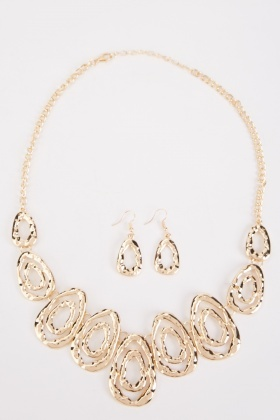 Textured Metallic Necklace And Earrings Set