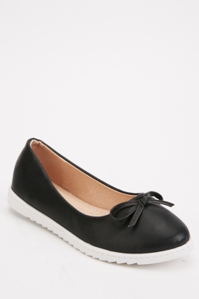 Bow Trim Faux Leather Pumps