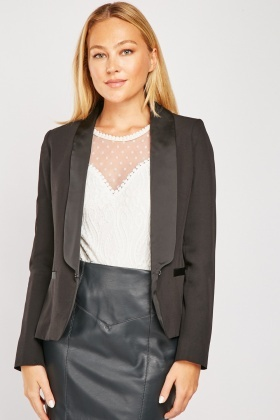 Black Lapel Front Fitted Blazer