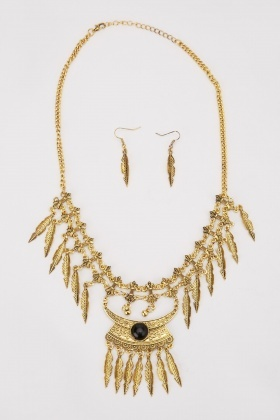 Black Rock Feather Fringe Necklace And Earring Set