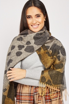 Large Speckled Pattern Scarf