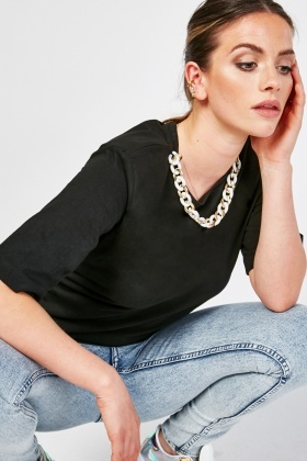 Chained Detailed Neck Top