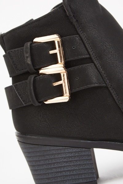 Buckle Side Textured Ankle Boots