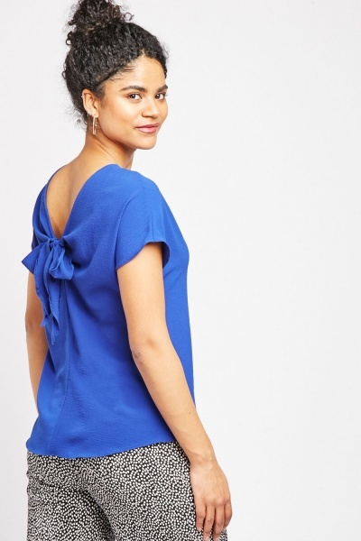 Round Neck Detailed Back Top