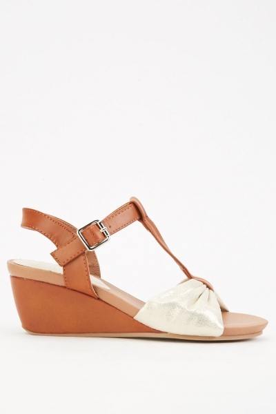 Contrasted T-Strap Wedge Sandals