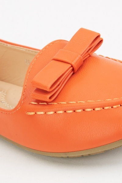 Stitched Bow Detail Loafers