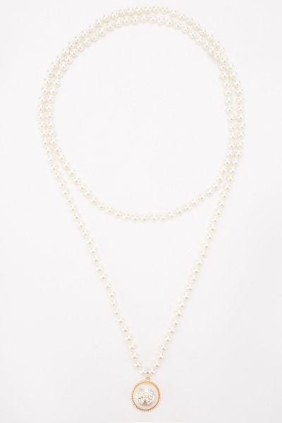 Large Faux Pearl Embellished Necklace