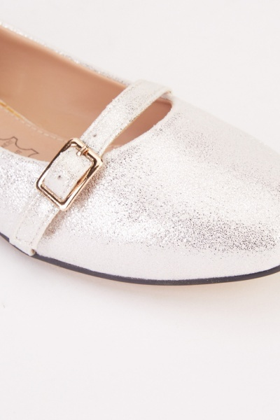 Buckle Detail Shimmery Pumps