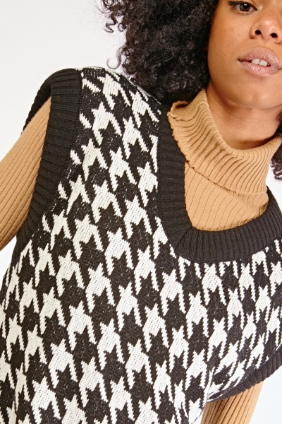 Houndstooth Knit Pullover
