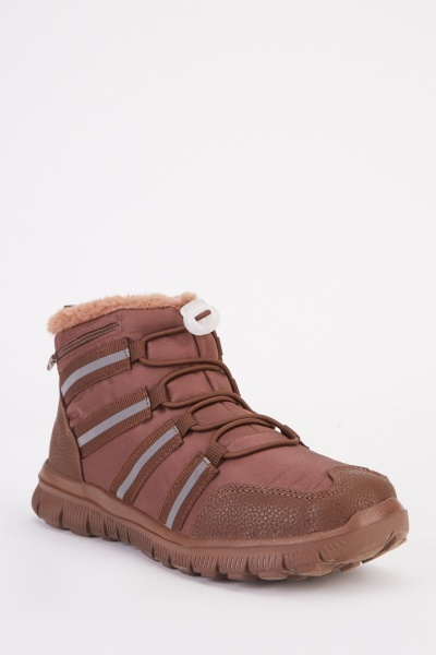 Toggle Lacing Hiking Boots