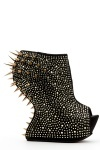 Curved Wedge Spike Boots