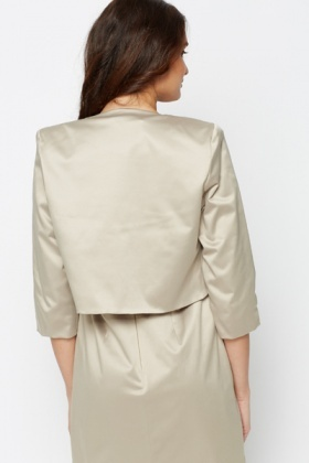 Silky Feel Crop Blazer