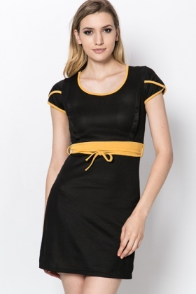 Contrast Trim Tie-Up Dress