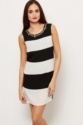 Embellished Neckline Mono Print Dress