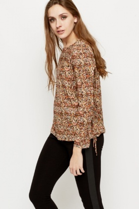 Tassel Side Graphic Blouse