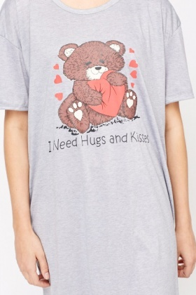 I Need Hugs And Kisses Night Dress