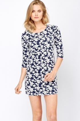 Contrast Star Print Shift Dress