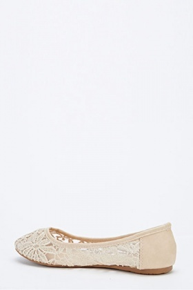 Embroidered Mesh Pumps