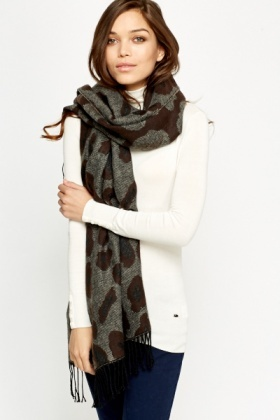 Contrast Printed Scarf Wrap