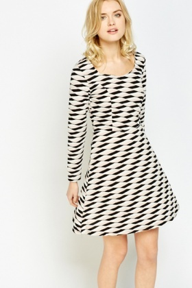 Sweetheart Mono Print Skater Dress