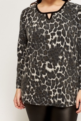 Fleece Animal Print top