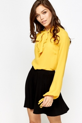 Round Hem Tie Up Blouse