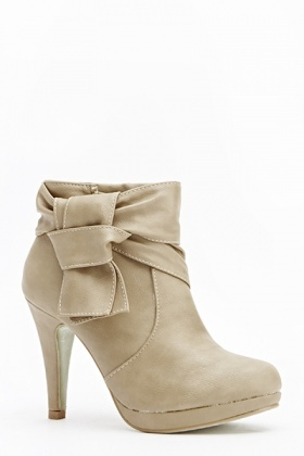 Knot Side Heeled Boots
