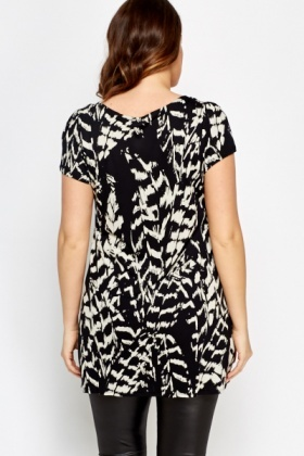 Ruffled Neck Printed Top