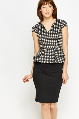 Houndstooth Printed Peplum Top