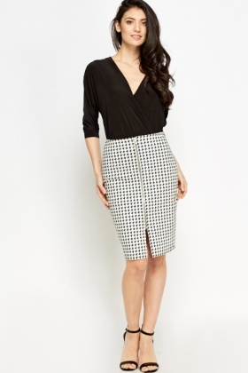 Houndstooth Zip Front Skirt