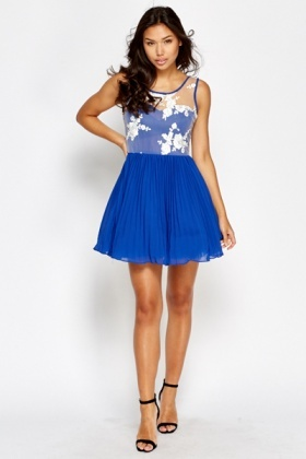 Floral Mesh Contrast Sweetheart Dress