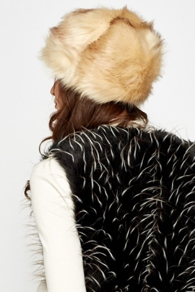 Contrast Cream Faux Fur Hat - Just £5 0fd15024cf1