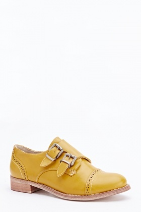 Low Heel Buckle Detail Shoes