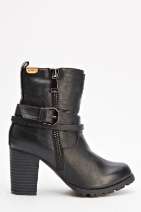 Chunky Buckle Black Boots