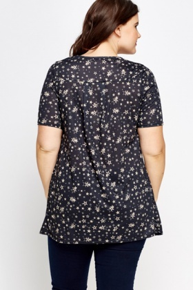 Star Printed Pleated Front Top