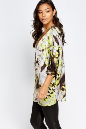 Cut Out Shoulder Batwing Tunic