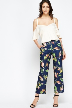 Navy Printed Cropped Floral Trousers