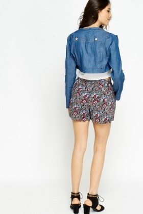 Cut Out Detailed Cropped Denim Jacket