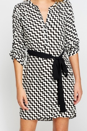 Mono Zig Zag Print Shirt Dress