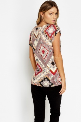 Twisted Front Hem Top