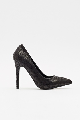 Mock Croc Black Pointed Pumps